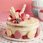 Tarta-chocolate-blanco-en-rosas-y-rojos_final-miniatura